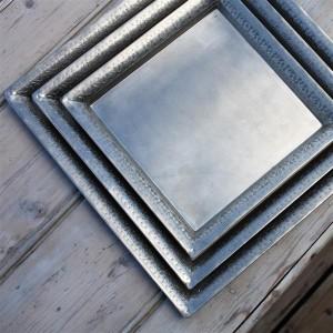 Plateau carré en fer